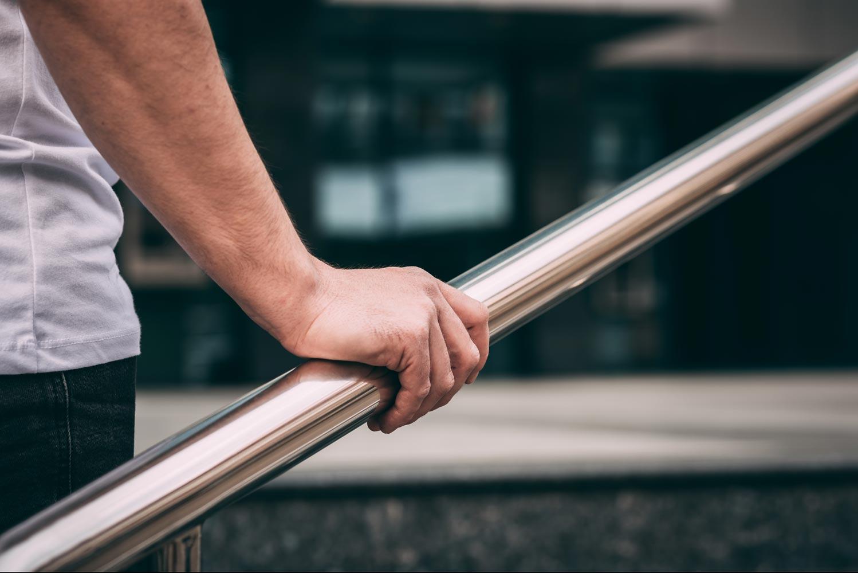 Sterile Handläufe & Geländer in Gebäuden & Einrichtungen mit Haera AntiMikrobiell Aktiv